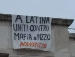 striscione latina