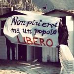 striscione_popolo libero